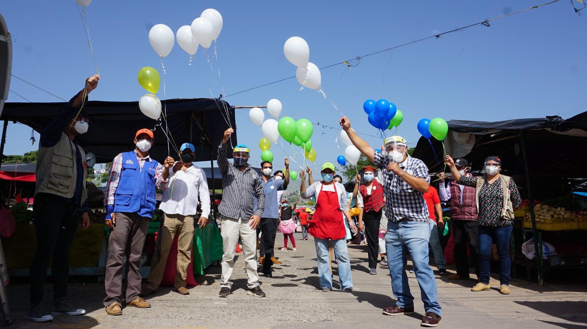 La Asociación Foro Nacional de VIH/Sida y CARE Internacional en Honduras realizan el lanzamiento del Proyecto en La Feria del Agricultor y el Artesano